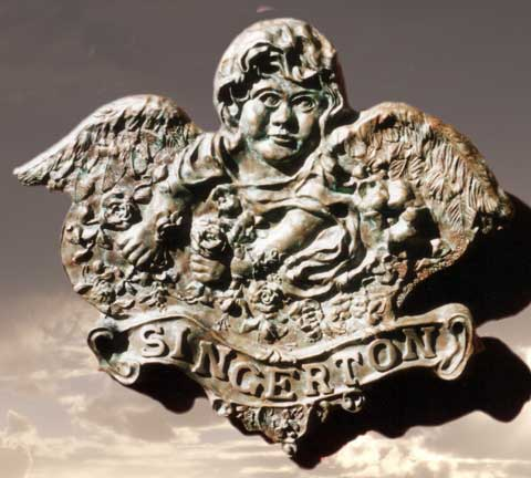 Bronze Cherub Tableau Photo